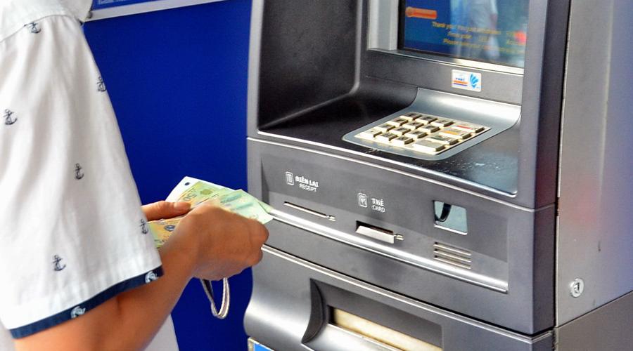 Rút tiền cá cược về tài khoản ngân hàng bằng tiền Việt